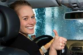 Sleva 71% - Čištění interiéru vozu či péče o exteriér + rozleštění laku, ruční mytí karoserie,…