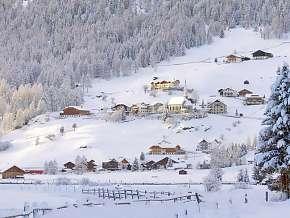 Sleva 50% - Rakousko: 3 denní pobyt pro DVA v Berghotel Alpenrast *** se skipasem a polopenzí.