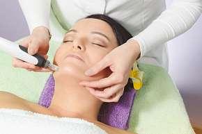 Sleva 53% - Lifting mikrojehličkováním 1 nebo 3 oblastí obličeje, krku a dekoltu  + lymfatická…