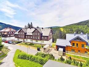 Sleva 24% - Krkonoše: 3 denní pobyt až pro 10 osob v plně vybavené chatě v chatě Holiday.