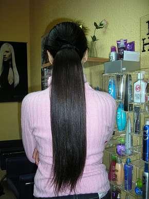 Sleva 41% - Prodloužení a zahuštění vlasů pravými evropskými vlasy tmavé nebo světlé barvy v…