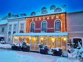 Sleva 17% - Maďarsko: 3 denní wellness pobyt pro DVA v hotelu Teátrum Panzió, s polopenzí.