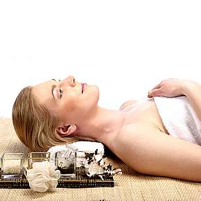 Sleva 53% - Protivráskové anti-age kosmetické ošetření pleti přírodními oleji a možností…