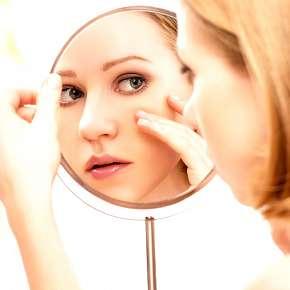 Sleva 54% - 70min. kosmetické ošetření problematické a aknózní pleti v salonu Regina v centru…