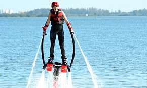 Sleva 15% - Flyboard na 25 minut včetně základního školení a vybavení - let nad vodní hladinou u…