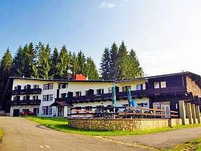 Sleva 22% - Beskydy: 3 denní lyžařský pobyt pro DVA v hotelu Bečva ** s infrasaunou a polopenzí.