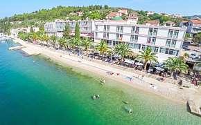 Sleva na pobyt 40% - Chorvatsko: 4-8 denní pobyt pro DVA v Hotelu Posejdon …
