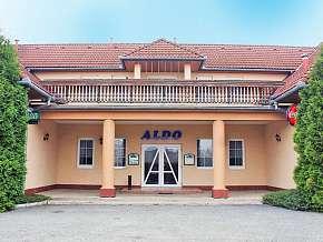 Sleva 28% - Olomoucko: 3 denní pobyt pro DVA v hotelu Aldo s bowlingem, bazénem a polopenzí.