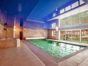Sleva 37% - Střední Čechy: 3 denní wellness pobyt pro DVA v exkluzivním hotelu Lions s polopenzí.