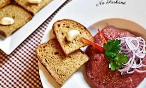 Sleva 30% - 30% sleva na veškeré jídlo v Restauraci Na Farkáně včetně poledního menu