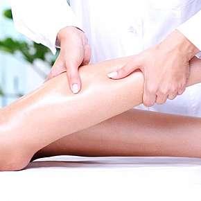 Sleva 29% - Regenerační masáž nohou zezadu, zepředu a plosky nohou v salonu Anička Plzeň.