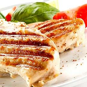 Sleva 34% - Steak ,, Sombréro,, šunka, sýr, broskev, šťouchaný brambor, presso s mlékem.