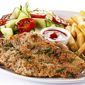 Sleva 57% - Kuřecí steak, hranolky, tatarka, salát + palačinka v restauraci u Švejka v Praze.