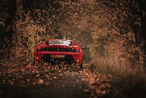 Sleva 21% - Spolujezdec nebo řidič vozů Mercedes Benz, Ferrari či Lamborghini na 15-60 minut +…