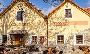 35% Jižní Morava: 3 denní pobyt pro DVA v hotelu U…