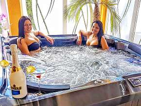 Sleva 32% - Maďarsko: 3-6 denní wellness pobyt pro DVA v hotelu Heléna Hotel & Spa*** s polopenzí