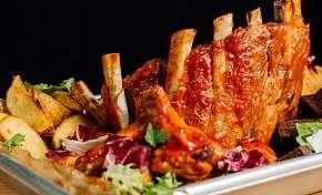 Sleva 55% - Pořádná porce šťavnatého masa v oblíbeném Švejk Restaurantu v pražských Strašnicích…