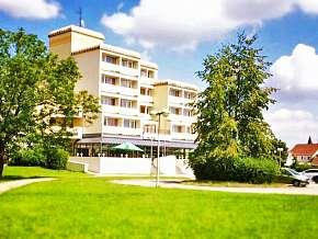 Sleva 32% - Jižní Čechy: 2 denní wellness pobyt pro DVA v hotelu Lucia *** s polopenzí.