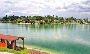 46% Slunečná jezera: 3-6 denní pobyt pro DVA v TP…