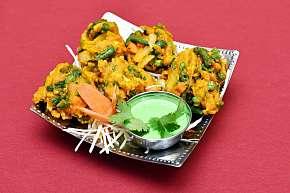 Sleva 30% - Ochutnávka bohaté indické kuchyně v restauraci Kathmandu: výběr specialit pro 2…