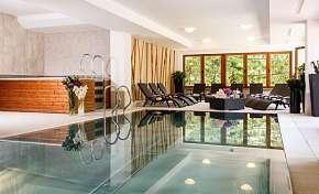 Sleva na pobyt 28% - Nízké Tatry: 3-8 denní wellness pobyt pro DVA v hotelu…