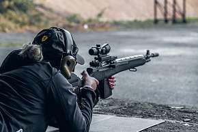 Sleva 20% - Zážitková střelba nedaleko Kolína pro 1 či 2 osoby nebo pro 4člennou rodinu: krytá…