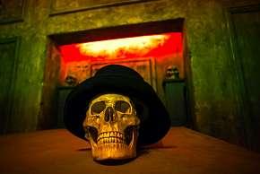 Sleva 21% - Únikovka Upíří hrobka pro 2 až 5 osob: 60min. napínavé dobrodružství s množstvím…