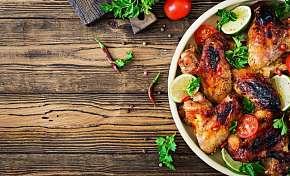Sleva 43% - Bohaté piknikové menu dle výběru až pro 4 osoby z oblíbeného Švejk Restaurantu…