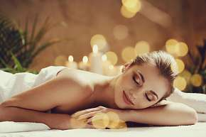 Sleva 32% - Havajská Lomi Lomi či relaxační masáž krku, šíje a zad