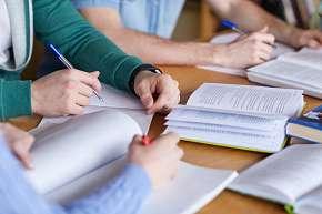 Sleva 23% - Skupinový jazykový kurz na 34 vyučovacích hodin s výběrem ze 6 jazyků