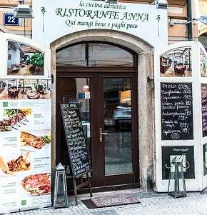Sleva 30% - Výjimečné středomořské degustační menu pro 2 osoby v centru Prahy