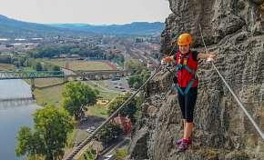 Sleva 56% - Adrenalinový zážitek Via Ferrata: tříhodinový výstup po zajištěných cestách na…