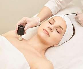 Sleva 49% - Mezoterapie - rejuvenace obličeje, krku nebo dekoltu kyselinou hyaluronovou, až 3…