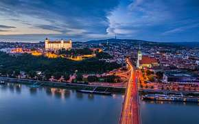 50% Bratislava: 3 denní víkendový pobyt pro DVA ve…