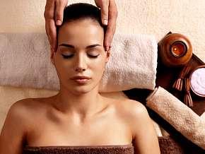 Sleva 23% - Relaxační a uvolňující masáž hlavy, obličeje a dekoltu