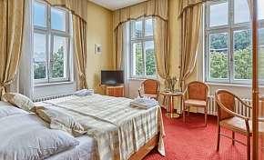 38% Karlovy Vary: 3-4 denní lázeňský pobyt pro DVA ve…