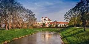 57% Jižní Morava: 3-5 denní wellness pobyt pro DVA v…