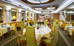37% Beskydy: 3–7 denní pobyt pro DVA v hotelu Eroplán…