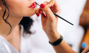Sleva 65% - Perfektní den pro princeznu včetně kosmetického a kadeřnického balíčku