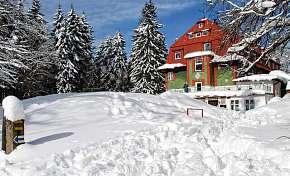 17% Krkonoše: 3-6 denní pobyt pro DVA na Horské chatě…