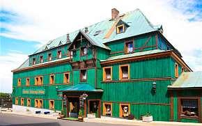 Sleva na pobyt 45% - Krušné hory: 3-5 denní pobyt pro DVA v hotelu Zelený…