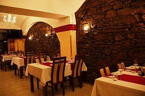 Sleva 27% - Speciální menu pro 2 osoby ve skvělé indické restauraci v Praze