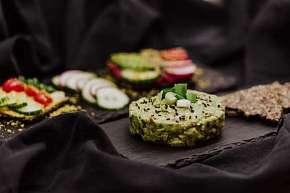 Sleva 0% - Veganské degustační menu pro 2 osoby - skvělá jídla bez masa v MyRaw Café na Praze 1