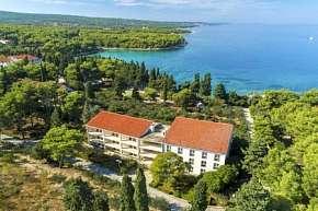 36% Chorvatsko, Brač: 9 denní pobyt v hotelu Resort…
