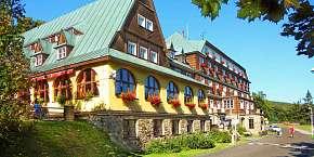 33% Podzimní túry na Pustevnách s ubytováním v hotelu…