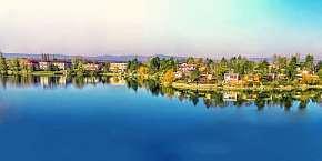 28% Léto na Slunečních jezerech s neomezeným bazénem,…
