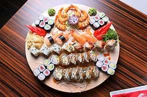 Sleva 61% - Skvělé sushi sety z čerstvých a kvalitních surovin v restauraci Miomi Sushi