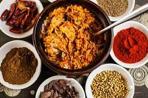 Sleva 39% - Indické chutě v menu pro 2 nebo 4 osoby v restauraci Salaam Namaste s platností do…