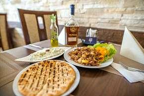 Sleva 0% - Netradiční chutě v menu řeckého stylu v restauraci Delphi Greek v Ostravě