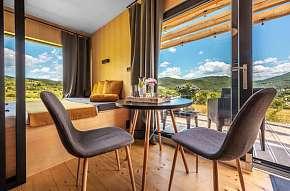 Sleva 13% - Zážitkové ubytování na samotě v přírodě pro dvojici, která hledá odpočinek a únik z…